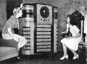 Crosley Giant Radio